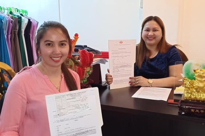 Another bride soon to be is signing of contract availing our all in promo packag...