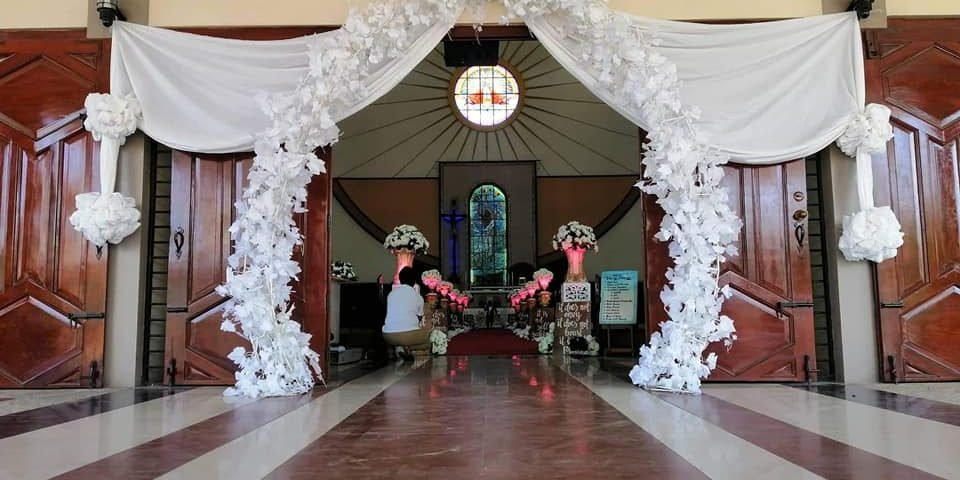 Another collaboration of church decors of ejh theme weddings by mam Leni Hernand...
