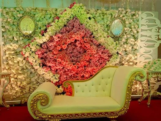 Cleopatra for rent for bride and groom available EC King Party & Catering Servic...